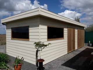 tuinhuis in houtcomposit